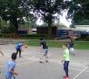 Buiten basketballen